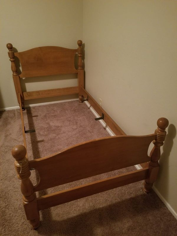 Twin size bed (solid wood) smoke free home