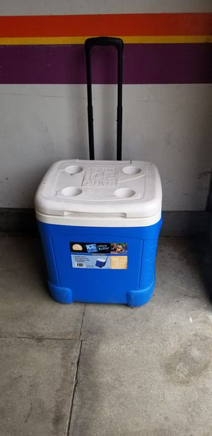 IGLOO ROLLING COOLER for Sale in Upland, CA