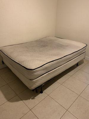 Free bed for Sale in North Miami Beach, FL