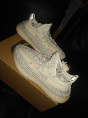 Adidas Yeezy Cloud Whites SIZE 9M for Sale in Alexandria, VA