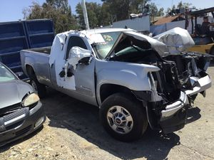 2013 GMC SIERRA HD 2500 6.0 parting out for Sale in Fontana, CA