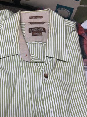 8 camisas de hombre talla (L) for Sale in Houston, TX