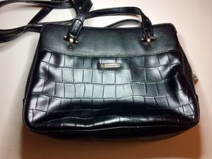 Liz Claiborne leather purse for Sale in Pico Rivera, CA