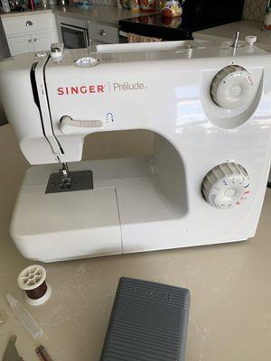 Singer sewing machine for Sale in Orlando, FL