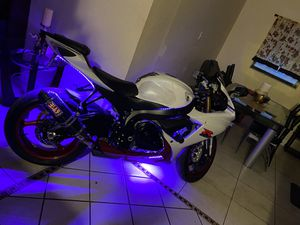 Suzuki Gsxr750 - 8500 milles 2017! Never Dropped. It's just perfect. for Sale in Orlando, FL
