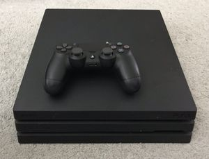 1tb PS4 pro w/ controller for Sale in Marysville, WA