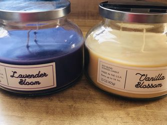 soy blend scented candle vanilla blossom soy blend scented candle lavender bloom (Pick up only )new for Sale in Alexandria,  VA