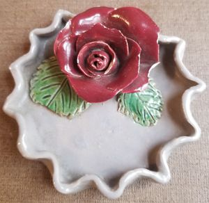 Vintage Red Rose unique ashtray for Sale in Three Rivers, MI