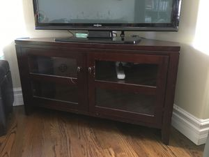 Curb Alert! FREE Corner Media Stand for Sale in Los Angeles, CA
