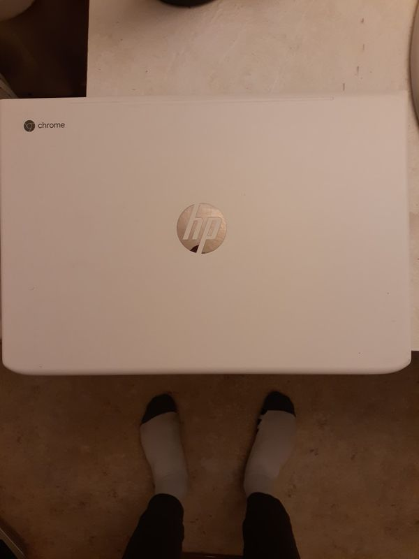 10/10 CONDITION 2019 HP FULL TOUCHSCREEN CHROMEBOOK 15.6""