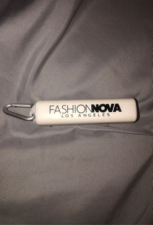 Portable Charger Fashion Nova for Sale in Los Angeles, CA