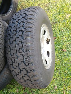 05 - 18 Nissan Frontier wheel w/ NEW Goodyear 235/75/R15 Tire for Sale in Oaklyn, NJ