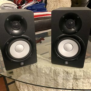 Yamaha Dual HS5 Studio Monitors 5'. for Sale in Nashville, TN