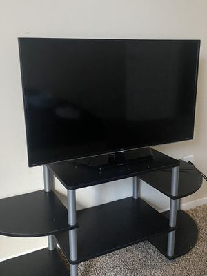 """TCL Roku TV 43"""" Inch Used Great Condition, Stand Included for Sale in Alexandria, VA"""