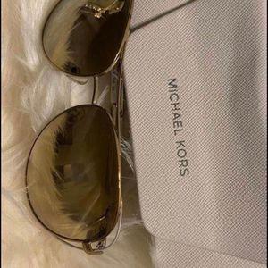 MICHAEL kORS SUNGLASSES WOMEN for Sale in Fort Lauderdale, FL
