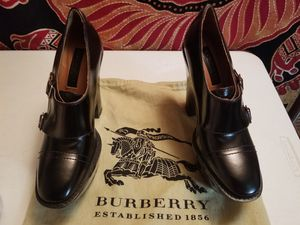 Burberry plataform sz 8 for Sale in New York, NY