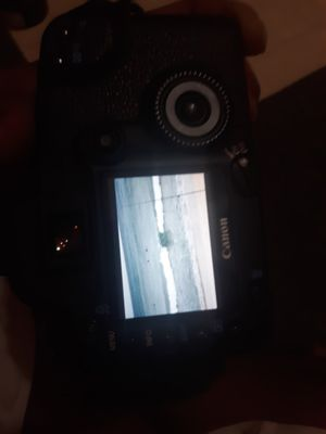 Canon camera 30d with 18mm-55mm lens and charger for Sale in Waianae, HI