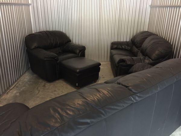 4 piece Bruma Italian black living room set for sale !!