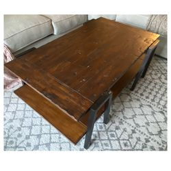 Living Spaces Coffee Table for Sale in Los Angeles,  CA