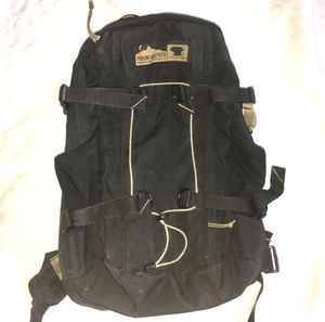 MOUNTAINSMITH Backpack for Sale in Clovis, CA