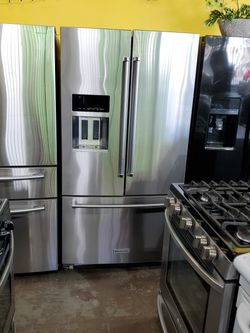 KITCHEN AID REFRIGERATOR for Sale in Cudahy,  CA