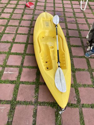 9 feet adult kayak for Sale in Miami, FL