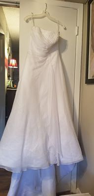 David's Bridal Wedding Dress Size 10 for Sale in Austin, TX