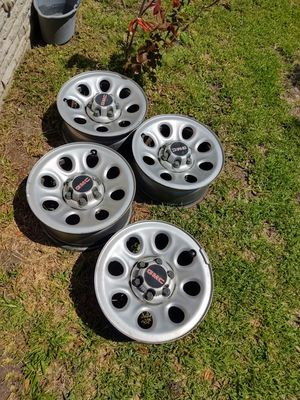 GMC factory rims 6 lugs. Fit chevy and GMC. for Sale in Victoria, TX