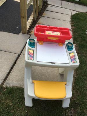 Step 2 kids desk for Sale in Jeannette, PA