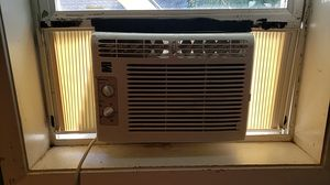 Kenmore low profile air conditioner for Sale in Portland, OR