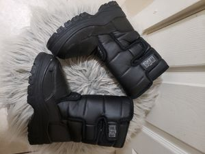 Snow boots size 11 for Sale in Phoenix, AZ