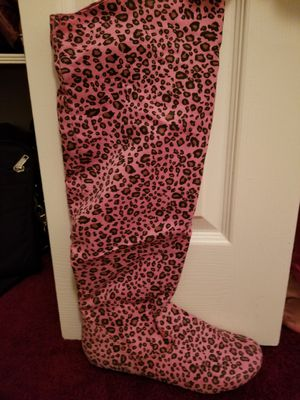 Woman's New Boots Pink leopard Size 10 for Sale in Fort Washington, MD