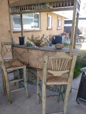 Bar Top with Stools for Sale in Fresno, CA