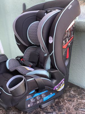 Car seat 💺 for Sale in Los Angeles, CA