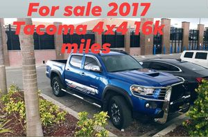 2017 Toyota Tacoma 4x4 for Sale in Miami, FL