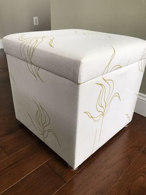 Storage box / extra seating for Sale in Sterling, VA