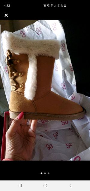 Brand new boots size 3 girls for Sale in El Centro, CA
