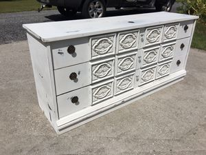 1970s Dresser or Buffet or foyer piece or TV stand comes with mirror for Sale in Valrico, FL