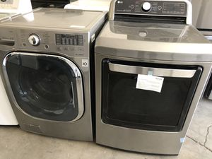 New LG dryer and used lg washer set for Sale in Las Vegas, NV