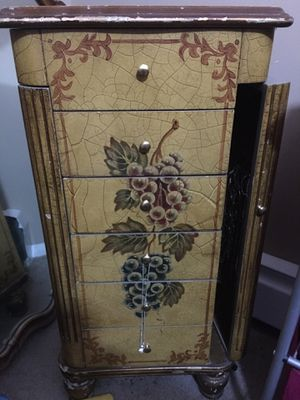 Jewelry Box for Sale in Fort Wayne, IN