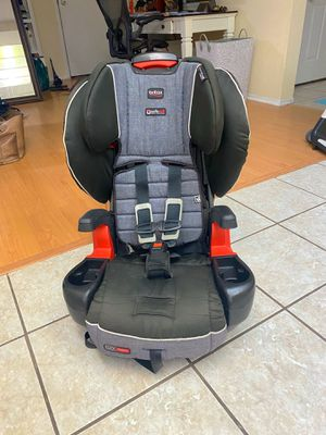 Britax Pioneer Click Tight 5-Point Harness/High Back Booster for Sale in Carlsbad, CA