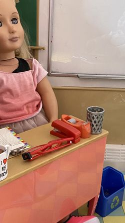 18 Inch Dolls With Classroom Setting for Sale in Downey,  CA