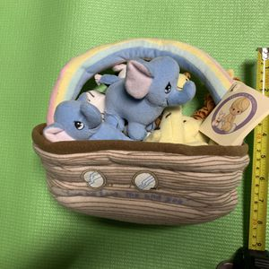 Precious Moments Plush Noah's Ark for Sale in Chandler, AZ