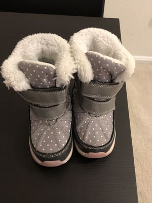 Carter's girl's snow boot size 7 US for Sale in McLean, VA