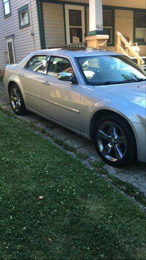 2006 chrysler 300 for Sale in Brooklyn, OH