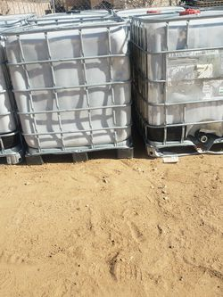 Water Tote Tanks Jugs for Sale in Hesperia,  CA