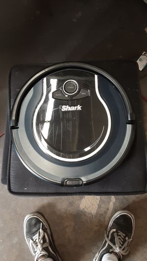 Shark ION Robot Vacuum R76 with Wi-Fi and Voice Control, 0.5 Quarts, in Black and Navy Blue for Sale in South Gate, CA