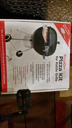 Pizza kit for grill for Sale in Washington, DC
