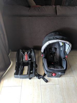 Car seat and base for Sale in El Mirage, AZ