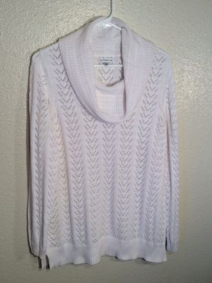 Like New White Women's CROFT & BARROW Knitted Long Sleeve Sweater Tunic in package - Size L for Sale in Austin, TX